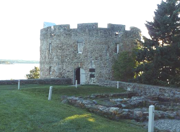 Fort William Henry in New Harbor, Maine today.