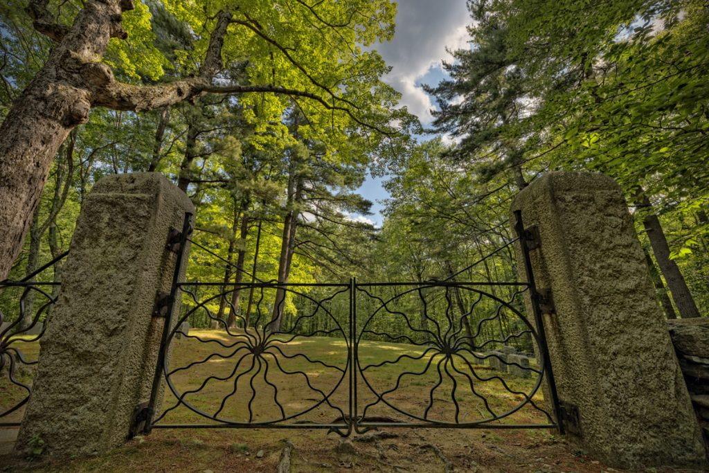 Spider Gates Cemetery in Leicester, Massachusetts. Photo by Frank Grace.