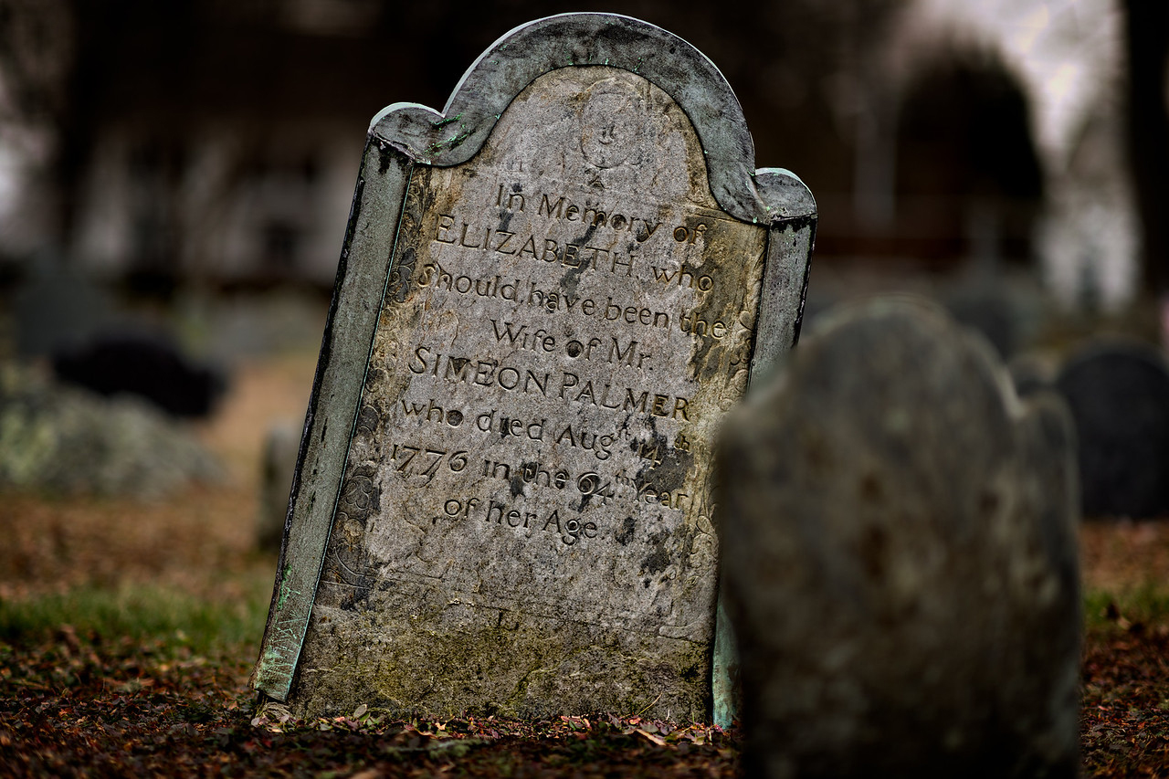 The grave of Elizabeth, who SHOULD have been the wife of Simeon Palmer. Photo by Frank Grace.